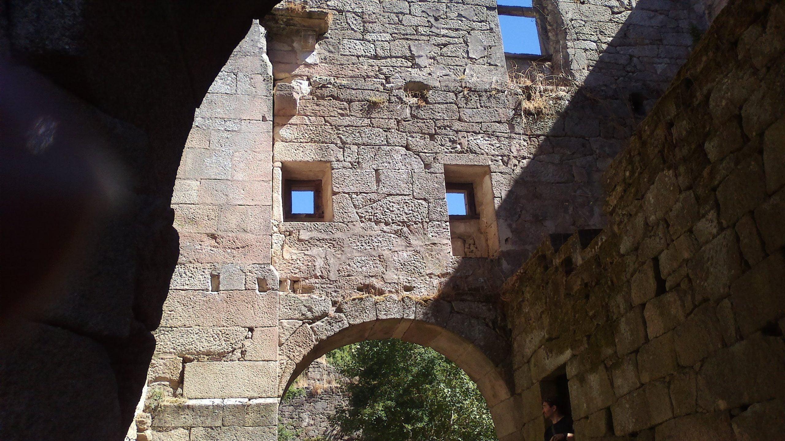 Mosteiro Bon Xesús. Trandeiras