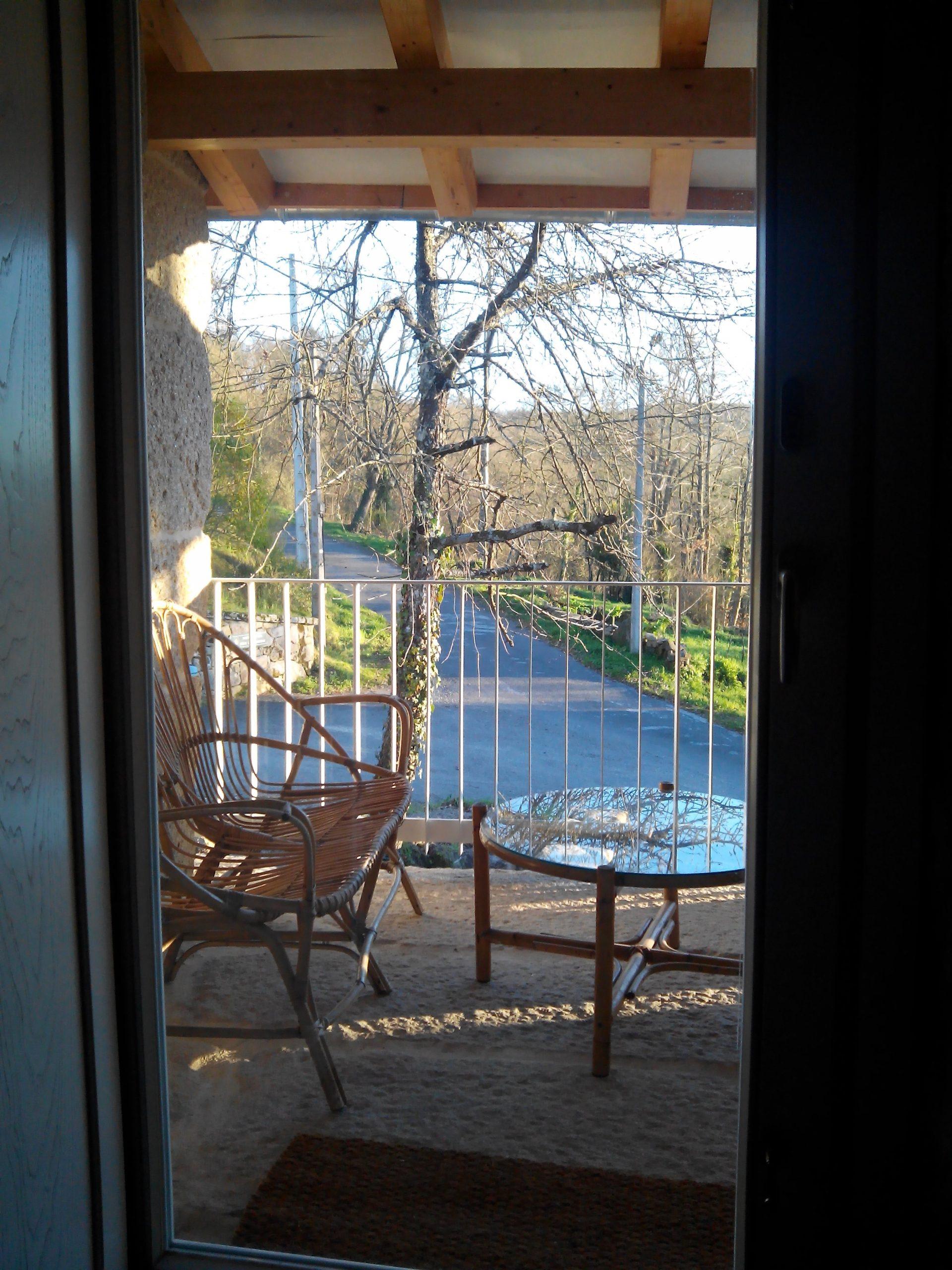 Habitación 103 Rosal vistas desde solera