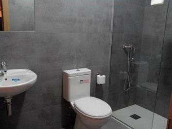 Habitación 002 Torre cuarto de baño